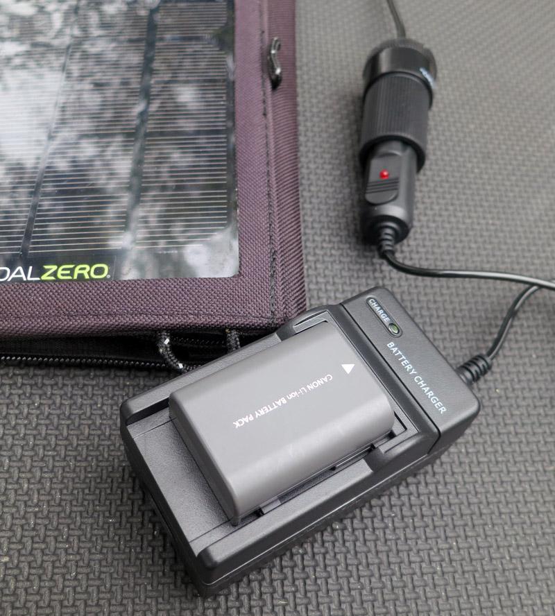 chargeur solaire batterie canon