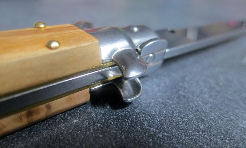 Couteau italien stiletto Frank Beltrame