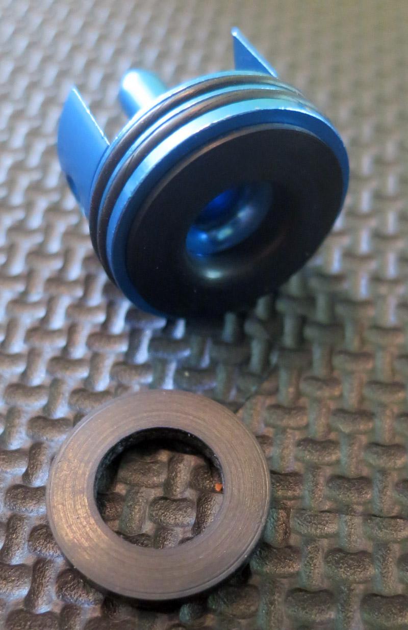 Tête de piston et joint de plomberie